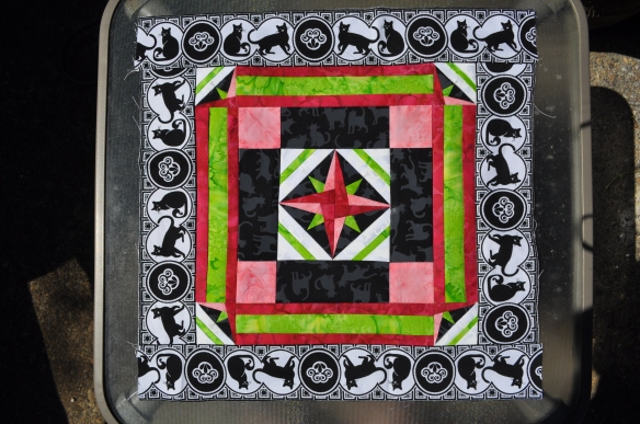 "Royal Mini ""Cat"" Star Quilt"