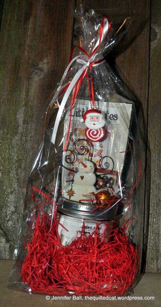 Homespun & Holly Gift Bag