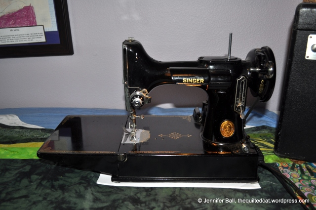 Singer Featherweight, Front View