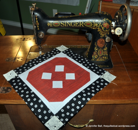 Aurifil BOM - August block with 1919 Singer Red Eye