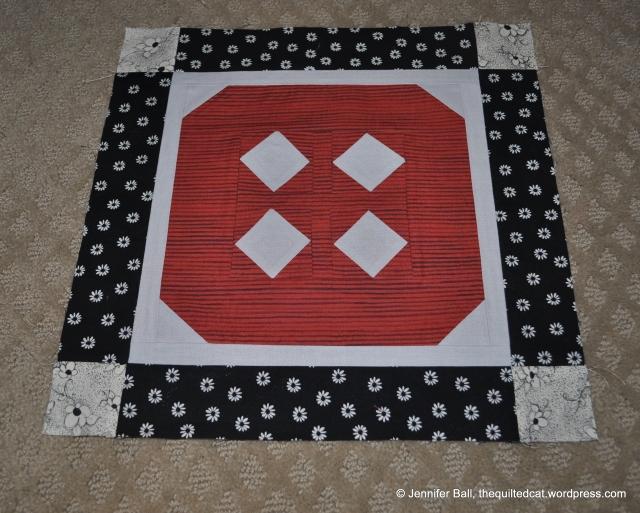 """Aurifil Button"" - August Block"