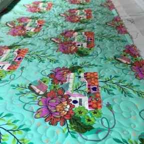 Quilting the Zip It Up panels